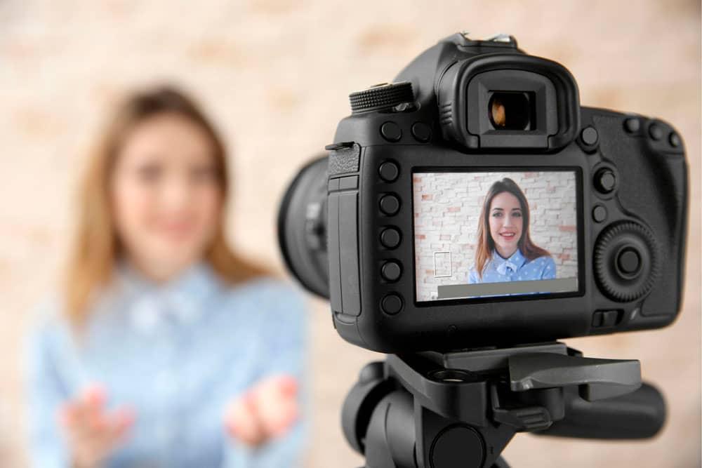 Лучшая дешевая камера для съемки видео на ютуб 2020 года: Топ 10 рейтинг камер для YouTube канала