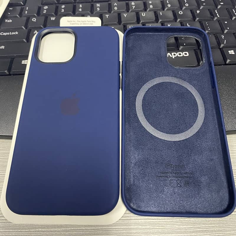 Силиконовый чехол для iPhone 12 Pro Max Silicone Case MagSafe фото 5