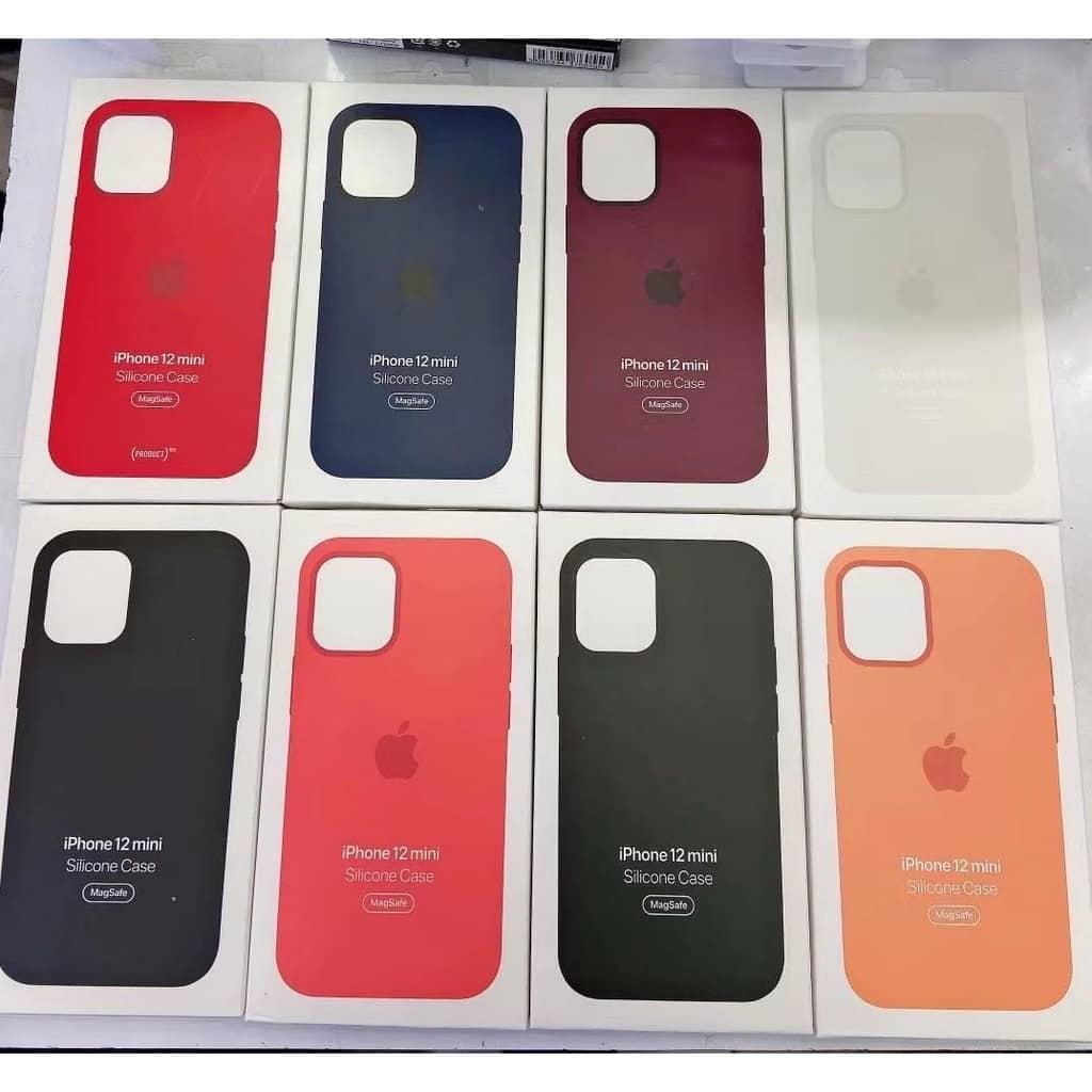 Силиконовый чехол для iPhone 12 Pro Max Silicone Case MagSafe фото 1