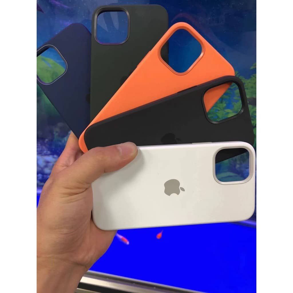 Силиконовый чехол для iPhone 12 Pro Max Silicone Case MagSafe фото 2